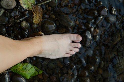 barefoot  foot  creek