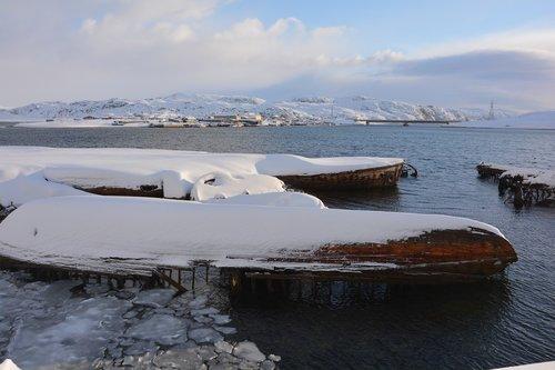 barencevo sea  teriberka  russia