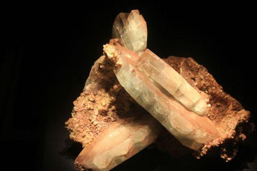 barite mineral crystals