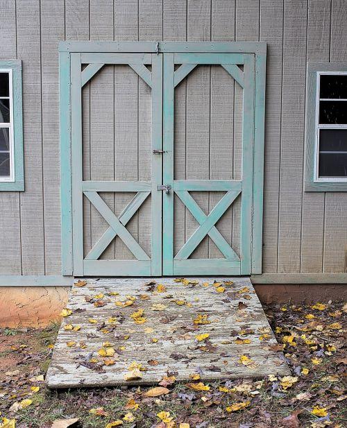 barn barn door wooden
