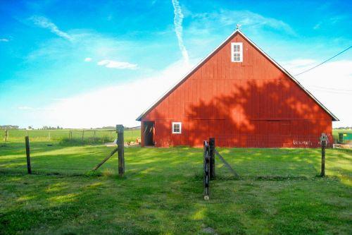barn red farm
