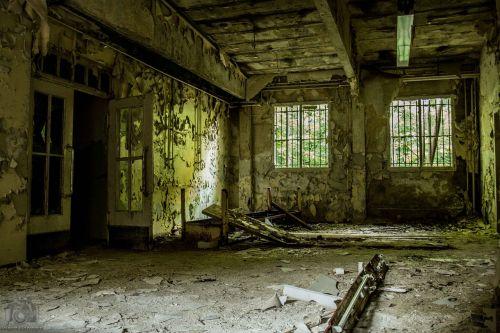 dilapidated ruin barracks