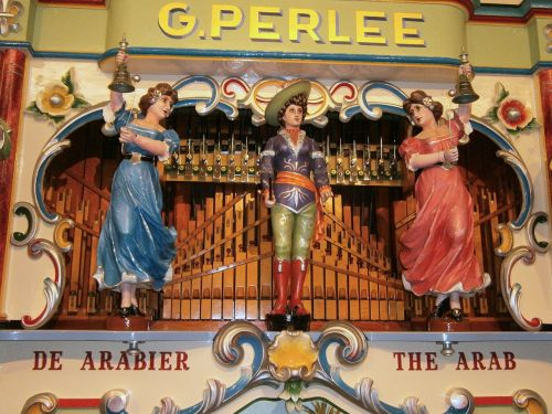 barrel organ organ street organ