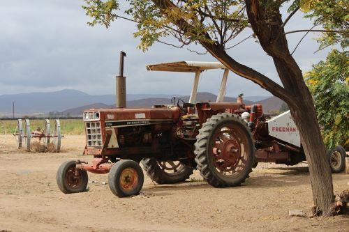 barren tractor mexico