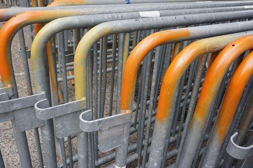 barriers  street  construction