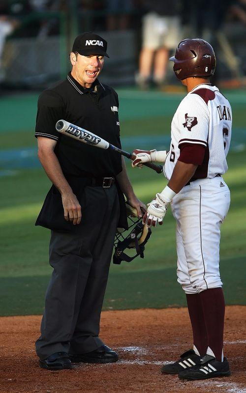 baseball umpire player