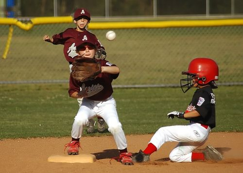 baseball little league runner
