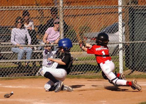 baseball runner scoring