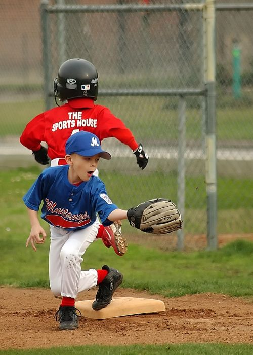 baseball fielder first base