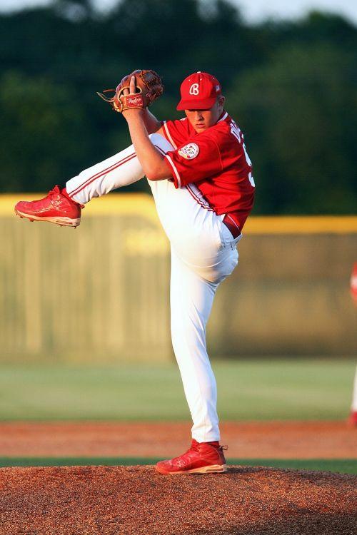 baseball pitcher action