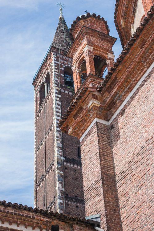 basilica di sant'eustorgio milan tower