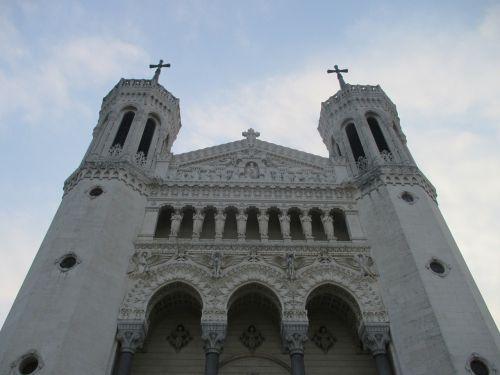 basilica fourvière lyon architecture