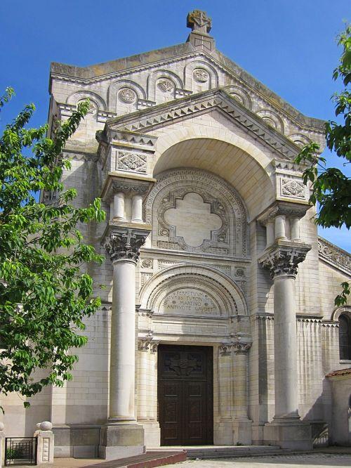 basilica of st martin neo-byzantine entrance