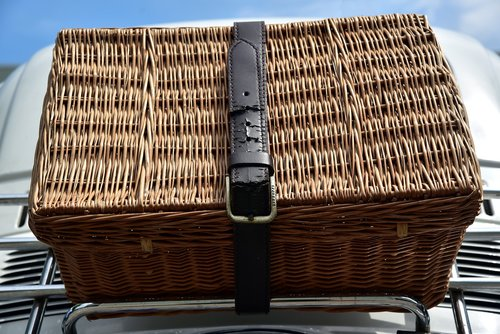 basket  luggage  travel