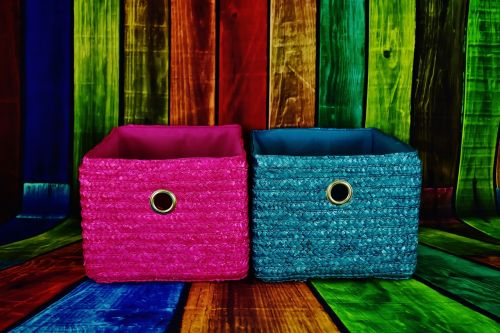 baskets pink blue