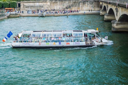 bateau-mouche boad ride paris boat