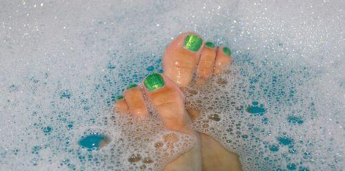 bath water badeschaum soap bubbles