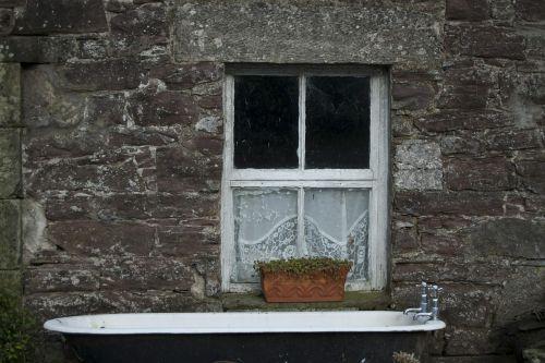 bathtub scotland window
