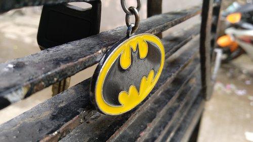 batman  keychain  bikes