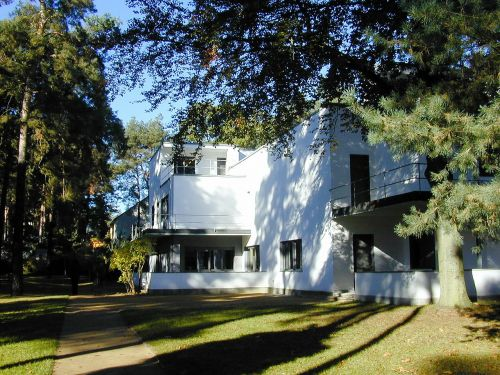 bauhaus master house settlement house
