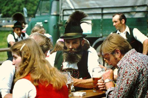 bavaria costume tradition