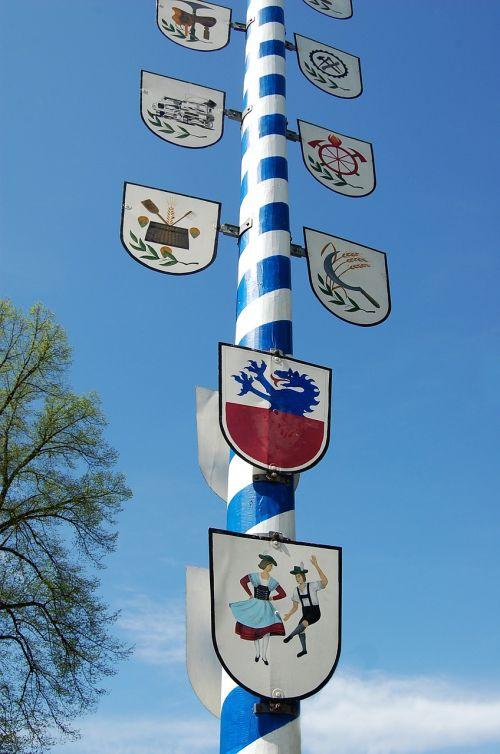 bavaria customs maypole