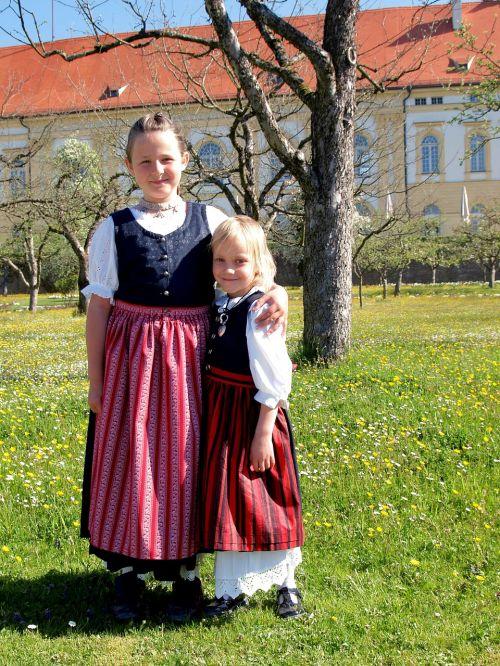 bavarian kids girls