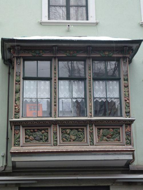 bay window homes live