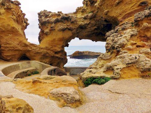 bayonne atlantic pyrenees cave