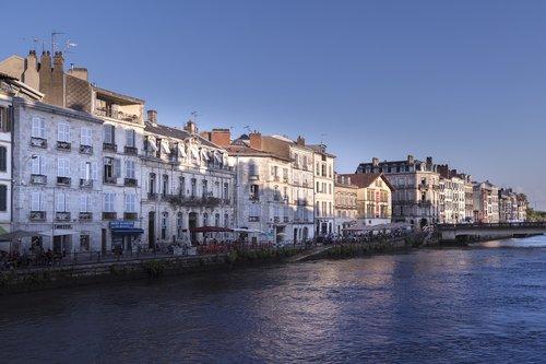 bayonne  buildings  france