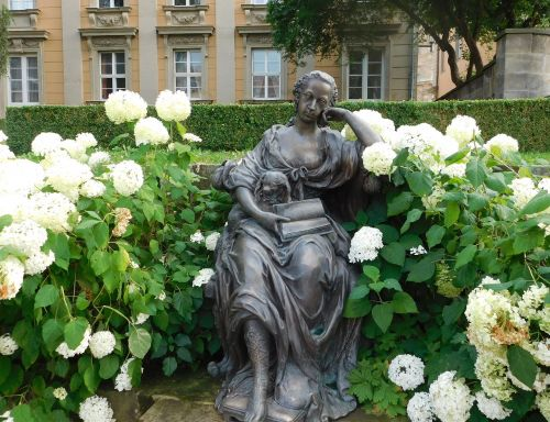 bayreuth sculpture read