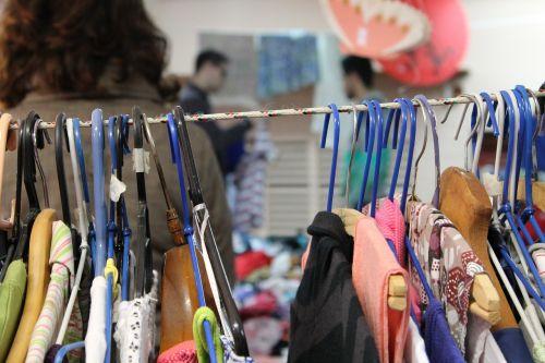 bazar thrift store organization