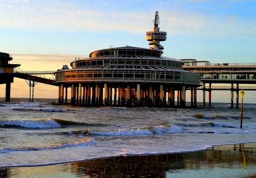 beach pier scheveningen