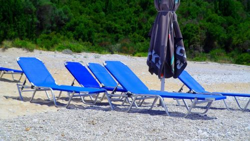 beach sunbed umbrella