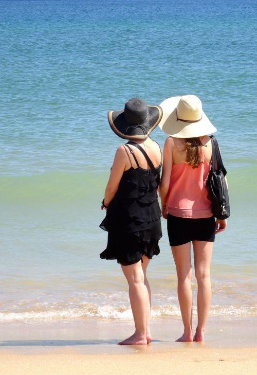 beach dos girls dreamy
