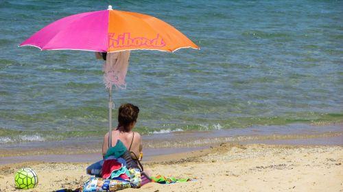 beach umbrella colors