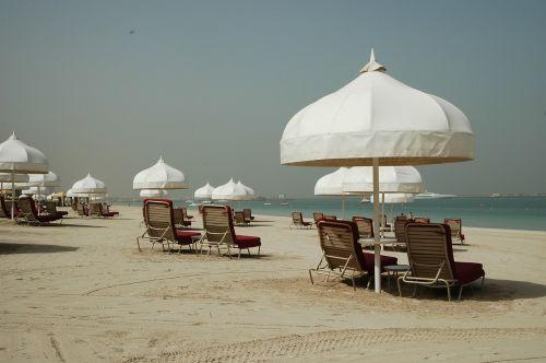 beach dubai parasol