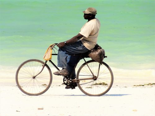 beach velo driver man