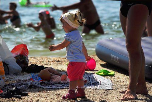 beach kids legs