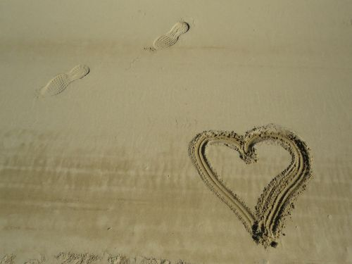 beach sand heart