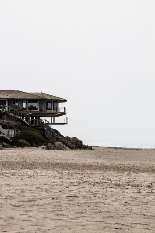beach home modern