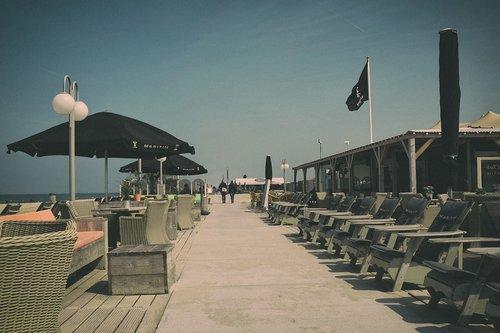 beach  retro  cafe