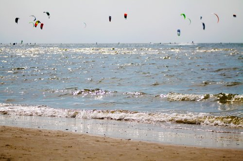 beach  kite  kite surfing