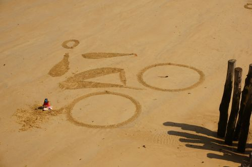 beach bike drawing