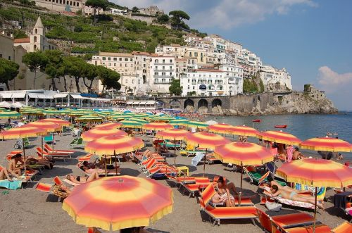beach italy parasols