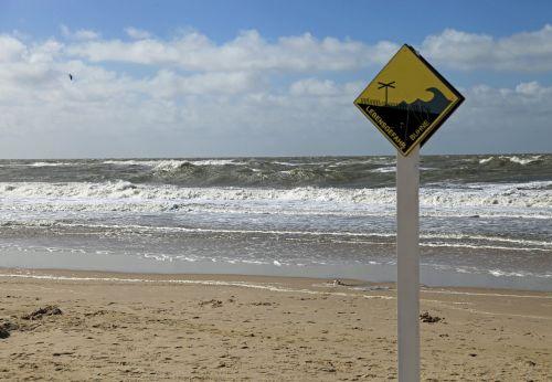 beach sea groyne