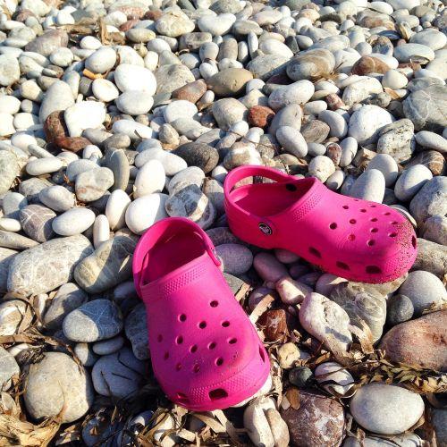 beach slippers stones