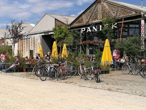 beach bar parasol bike