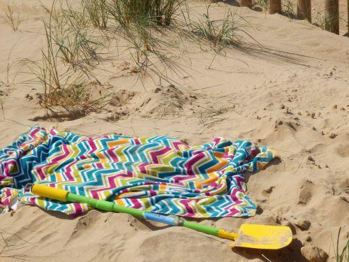 Beach Towel & Spade