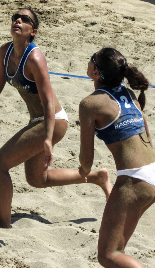 beach volley action motion